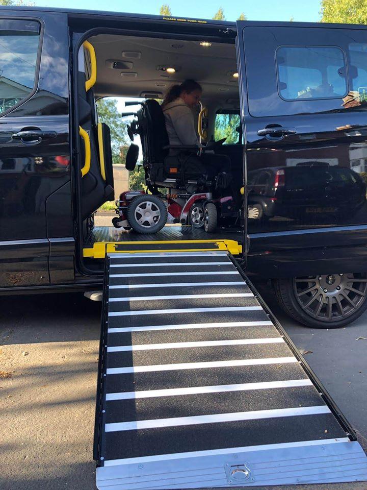 wheelchair friendly taxi nottingham